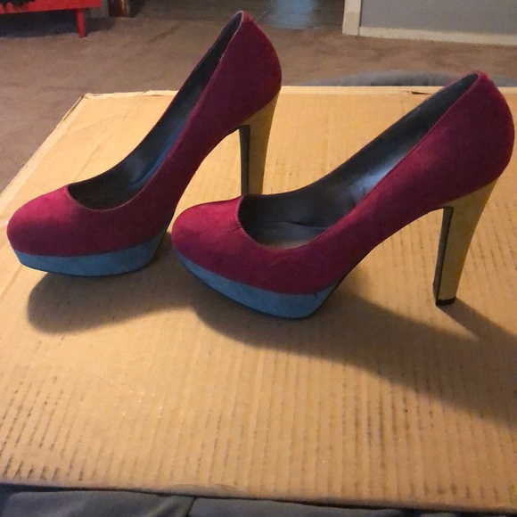 G by Guess Shoes - GUESS women's size 11 color block heels